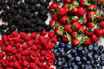 Produce_LR_Mixed Berries_Strawberries_Blueberries_Raspberries_Blackberries_Styled_2019_3-1